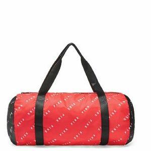 💕NWT VS PINK Duffle bag